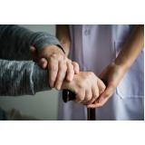 profissionais para acompanhamento de idoso domicílio Saúde